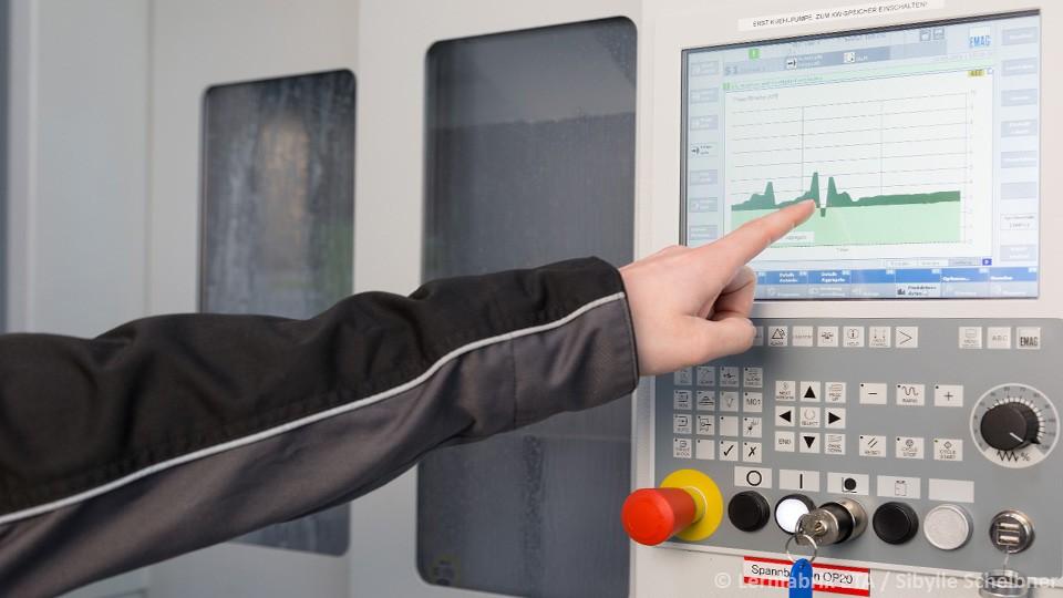 Energiebausteine-auf-Maschinen-und-Anlagensteuerungen.jpg
